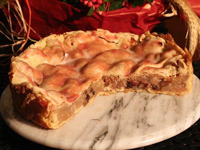 Gedeckter Apfelkuchen Mit Walnssen Mit Marmelade Bestrichen